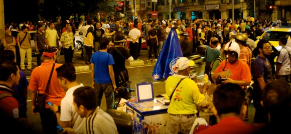 Ice Cream uncle cools off a hot Bersih night