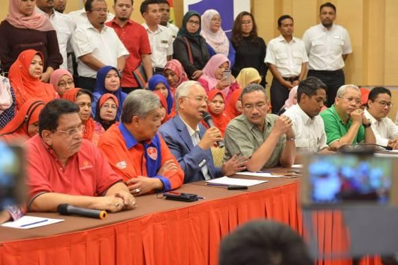 Najib Razak resigns as Umno president and Barisan Nasional chairman, 12 May 2018